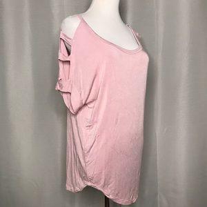 Open sleeve T-shirt